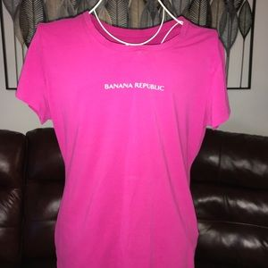 Banana Republic graphic design women pink shirt